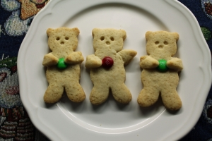 Festive Bear Hug Sugar Cookies – EAT it NOW or EAT it LATER
