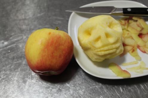 shrunken apple head 4